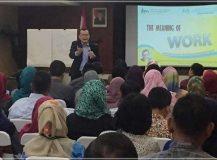 Training Motivasi Kerja di Kementerian Pemberdayaan Perempuan dan Perlindungan Anak oleh Motivator Leadership Indonesia - Arvan Pradiansyah
